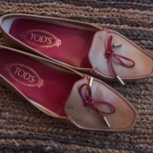 TOD'S loafer flats leather shoes Gommini